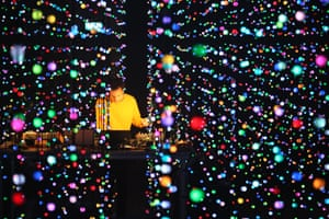 Four Tet review – let there be lights and a touch of magic