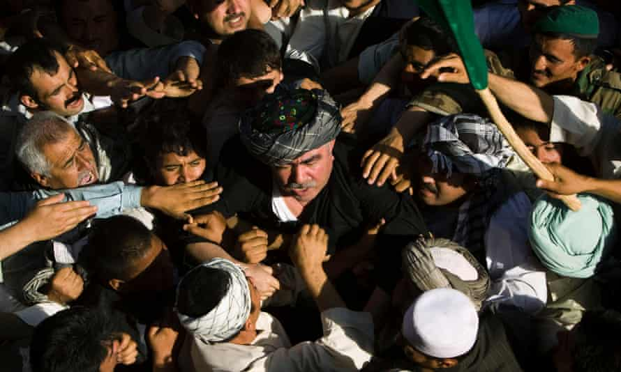 A crowd in Sheberghan Dostum from his 2009 return from exile in Turkey