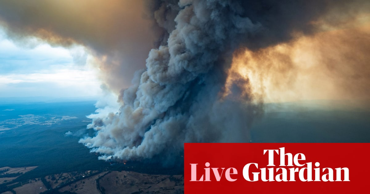 2200 - NSW, Victoria fires: Australian bushfires cause tens of thousands to flee in mass evacuation – live | Australia news