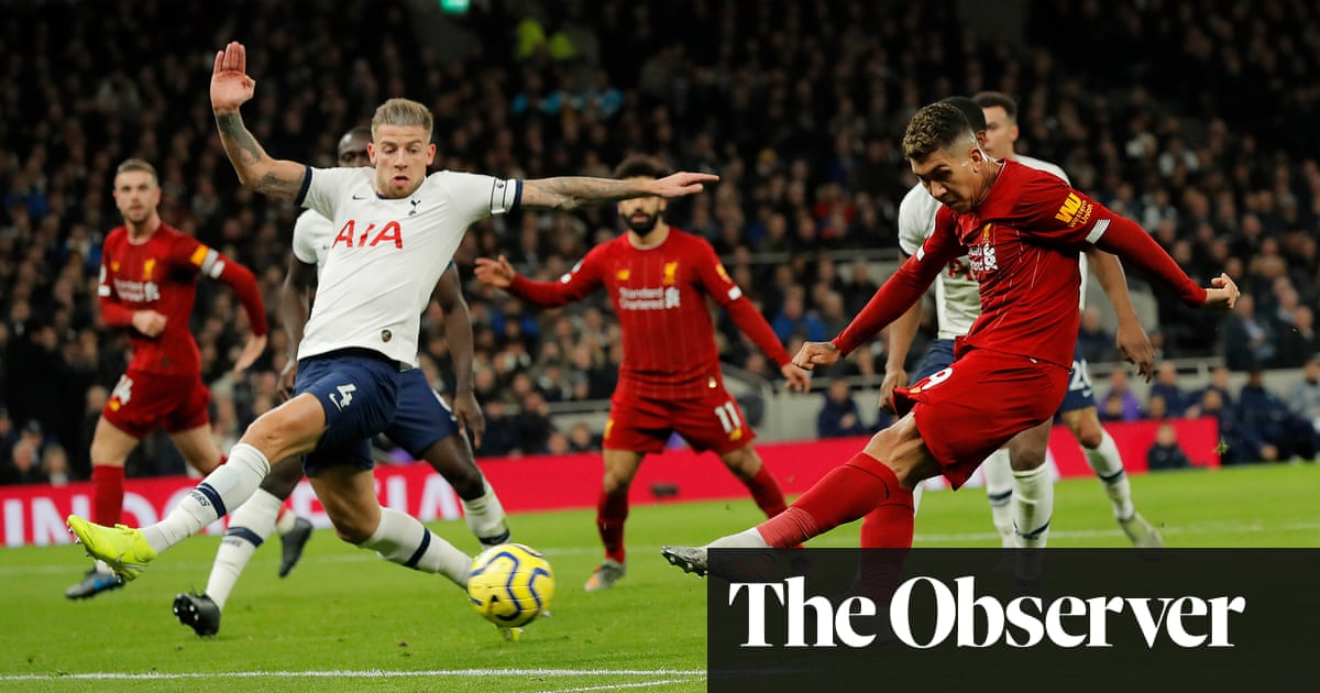 Roberto Firmino sinks Spurs to keep up Liverpool's runaway title charge