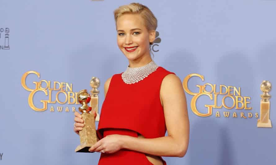 Jennifer Lawrence has been criticised for reprimanding a foreign reporter during a press conference.