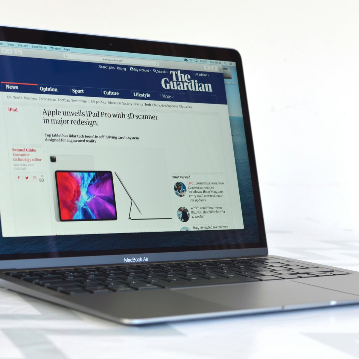Apple Macbook Air Review 2020 S Near Perfect Consumer Laptop Technology The Guardian