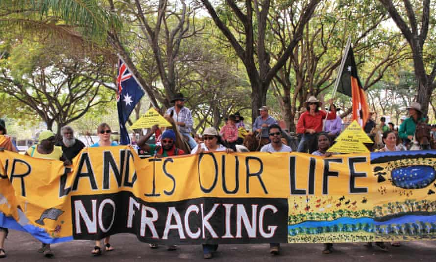 More than 200 people protest against fracking and mining in the NT
