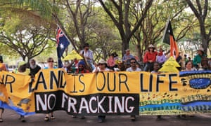 More than 200 people, including about two dozen on horseback, went to the Northern Territory house of parliament on 15 September 2015, to protest against fracking and mining in the NT.