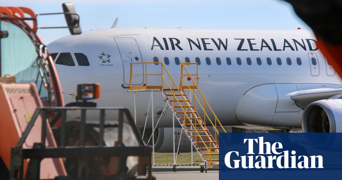 New Zealand extends Australia travel bubble pause as Covid cases drop to 11