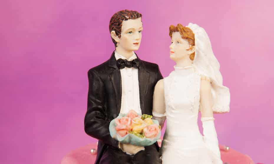 Cake topper with bride and groom