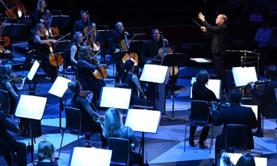 Mark Wigglesworth conducts the Proms Festival Orchestra.