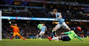 Manchester City's Kevin De Bruyne scores their first goal.