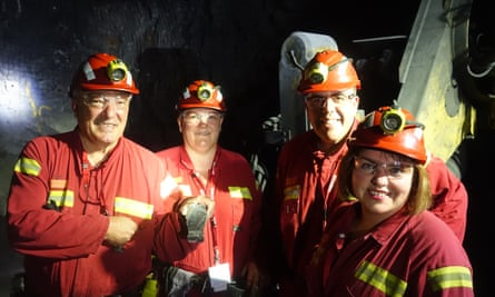 Labor MPs Mike Freelander (L), Meryl Swanson, Milton Dick and Kimberley Kitching tour Glencore's Mt Isa mine with the Mineral Council of Australia.