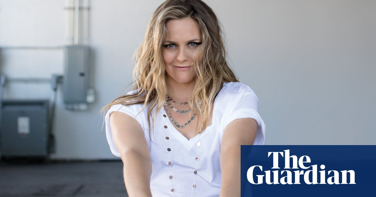 Alicia Silverstone: 'I probably behaved not as well as I could have' 2