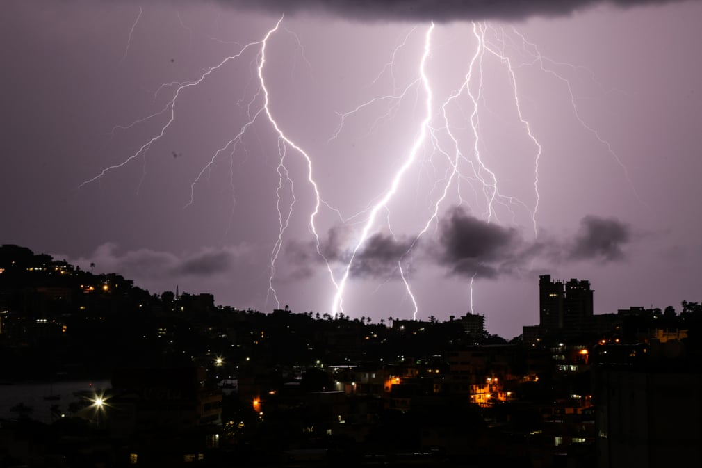 Lightning, lava and jellyfish: Tuesday s best photos