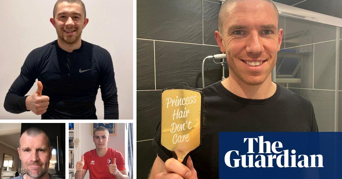 Afilado: los jugadores y entrenadores de Cheltenham se afeitan la cabeza para el NHS | Fútbol americano 9