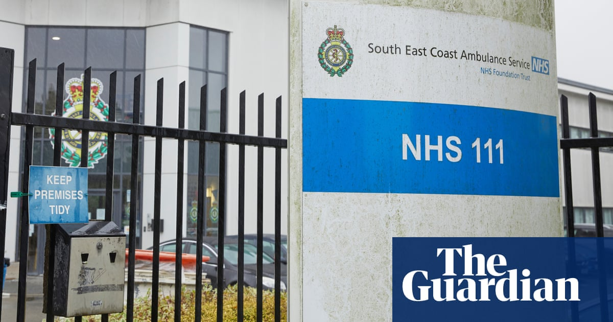 Covid bereaved condemn government refusal to publish NHS 111 training content