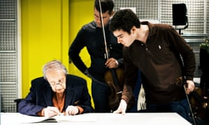 Pierre Boulez working with members of the Diotima Quartet for the revision of the Livre pour Quatuor in 2012.