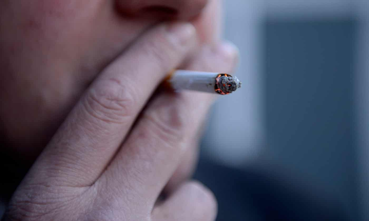 NHS could save billions by offering cash reward to quit smoking