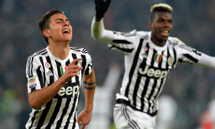 Paulo Dybala celebrates after wrapping up Juve's win over Fiorentina.