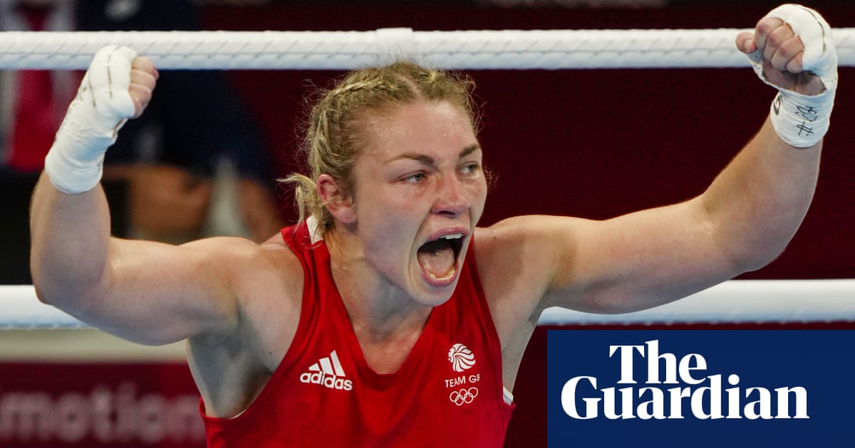 Team GB's Lauren Price turns semi around to reach Olympic middleweight final