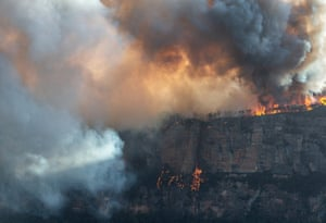 Ruined Castle bushfire that is burning atop narrowneck plateau in Katoomba, Blue Mountains,  on Sunday.