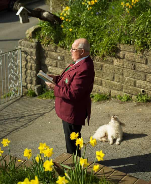 Geoff 'Effie' Evans with his dog, Timmy.