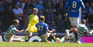 Arfield scores the second for Rangers.