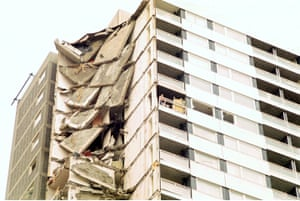 The explosion tore out the exterior walls on the 18th floor, removing the structural support to the four apartments above, and triggering a devastating chain reaction which saw first one entire wall, then another, popping out of the building. Falling masonry razed floor after floor to the ground, slicing off the lounges in all 22 flats of the block.