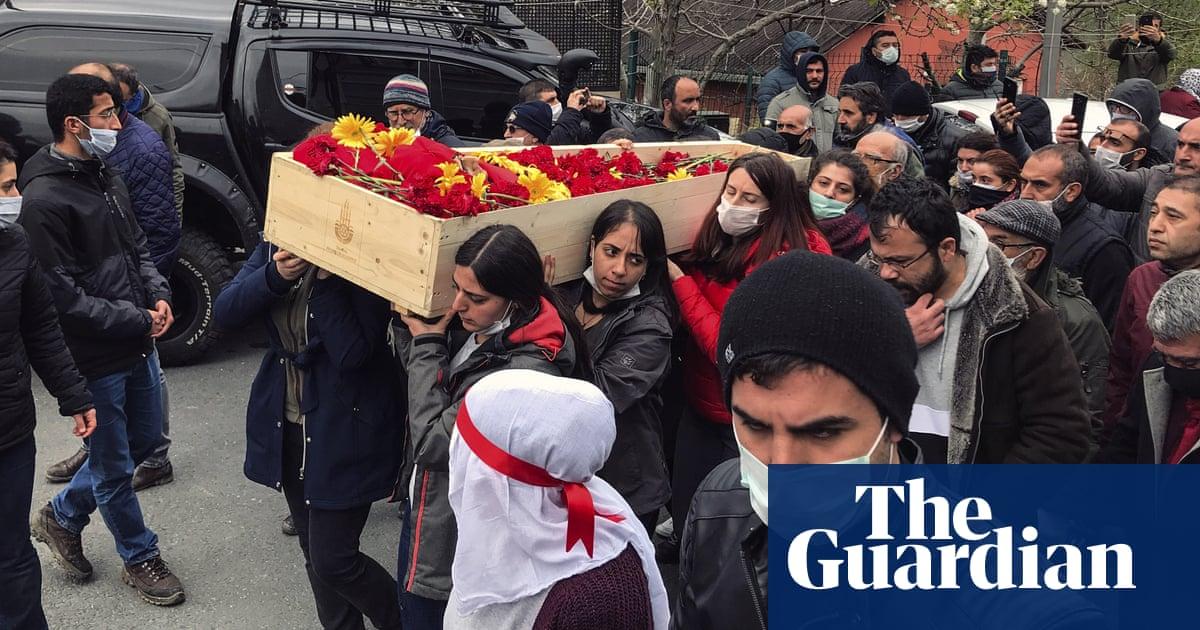 Banned Turkish folk group member dies following hunger strike