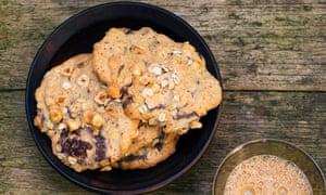 cardamom,chocolate andhazelnut cookies
