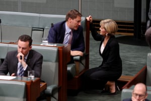 The foreign affairs minister, Julie Bishop, talks to the member for Bonner, Ross Vasta