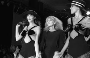Sonia Rykiel with models on the catwalk in 1980.