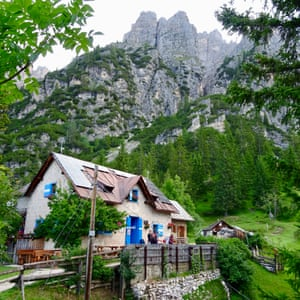 Rifugio San Marco, with outdoor shower behind