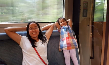 Wendy and her daughter take the train