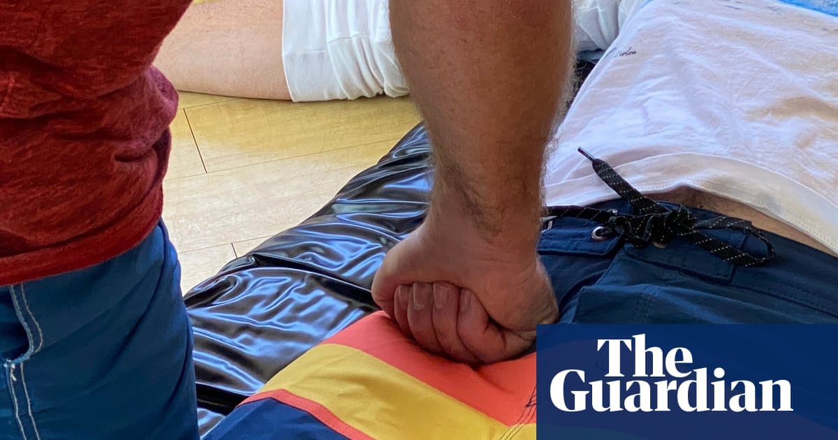 Doctor's 'brilliant' new first aid technique can stem blood loss after shark attack