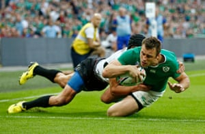 Bowe scores Ireland's fifth.