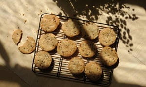 Anchovy, cheese and pine-nut biscuits