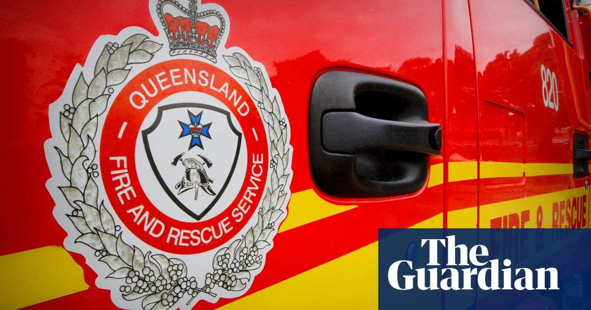 Fraser Island bushfire: residents urged to leave amid out-of-control blaze – The Guardian