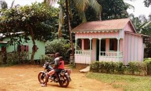 Houses on Príncipe Island