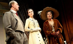 Barbara Jefford, right, as Mrs Higgins, with Tim Pigott-Smith (Henry Higgins) and Michelle Dockery (Eliza Doolittle) in a 2008 Old Vic production of Pygmalion, directed by Peter Hall.