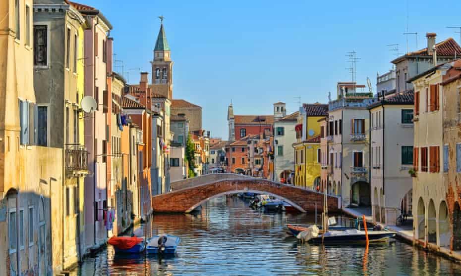 Cabine vintage e ponte La migliore vista sull'acqua di Siojia Little Venice in Italia