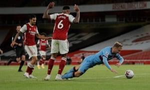 Jarrod Bowen goes down under the challenge of Gabriel.