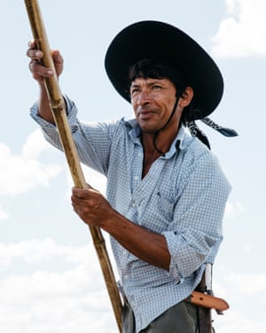Mingo, a Guarani canoeist