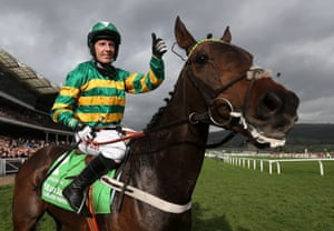 Noel Fehily and Buveur D'Air after the race.