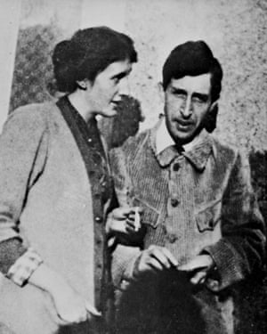 VIRGINIA AND LEONARD WOOLF. /nEnglish writers; photographed in 1914.FF86BP VIRGINIA AND LEONARD WOOLF. /nEnglish writers; photographed in 1914.