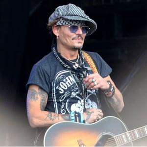 Johnny Depp joins Kris Kristofferson on stage Glastonbury Festival