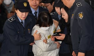 Choi Soon-Sil arrives for an earlier hearing with special prosecutors.