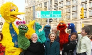 Caroll Spinney with Joan Ganz Cooney and Sesame Street cast members in New York City on 9 November 2009.