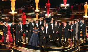 Cast and crew of Green Book accept the best picture award.