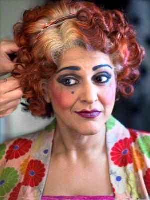 MEERA SYAL - Annie, 2018, Piccadilly Theatre (Simon Annand)