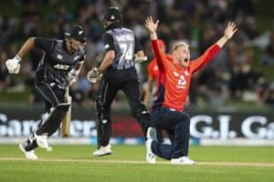 England's Matt Parkinson appeals successfully for the wicket of Tim Southee