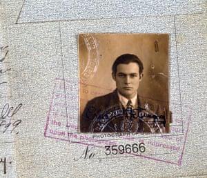 Hemingway's passport photo from 1923