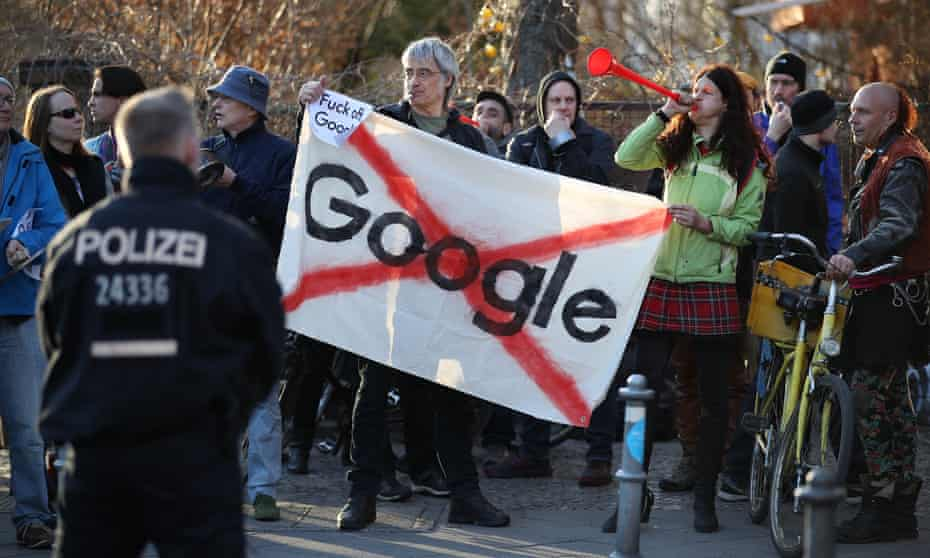 Protesters outside the Umspannwerk building in Kreuzberg, Berlin, where Google plans to set up a campus.